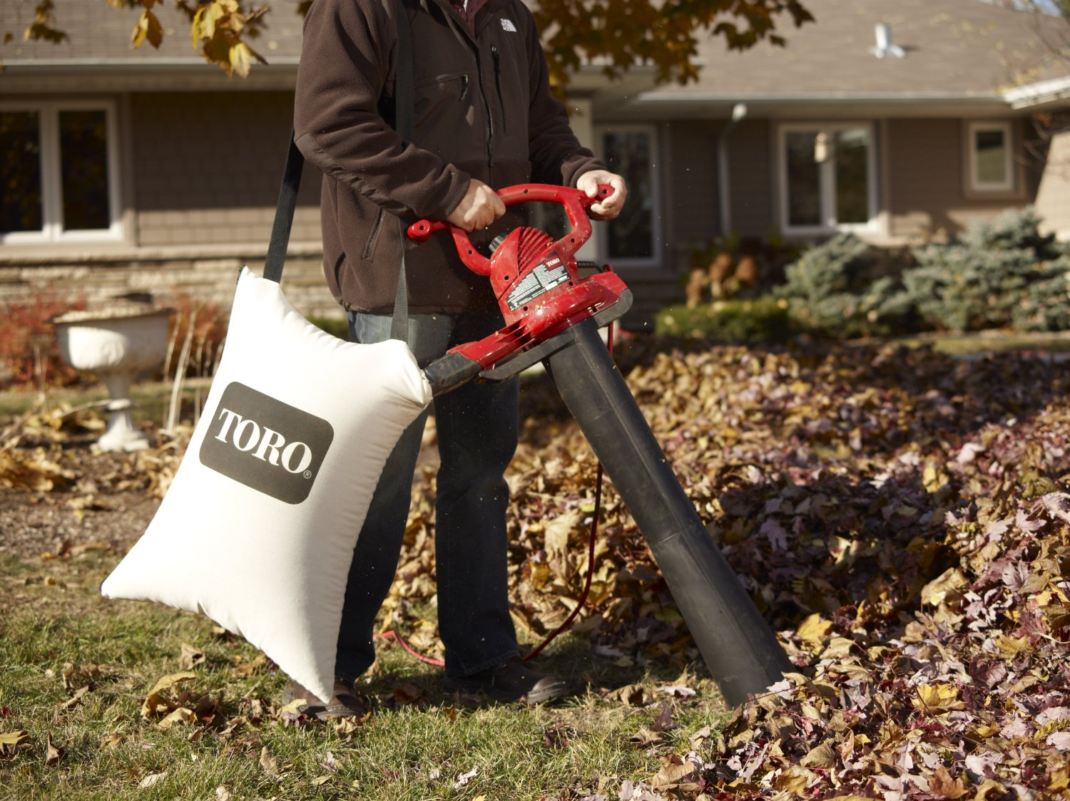 Toro 51609 Ultra Variable Speed Electric Vacuum With Metal